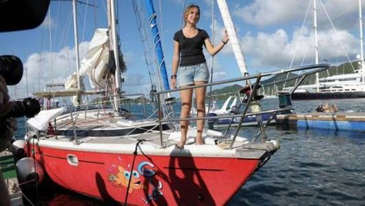 Laura Dekker (14) sails around the world